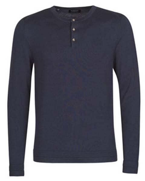 Modrý sveter Selected