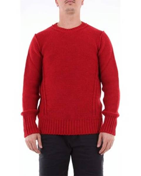 Červený sveter Messagerie