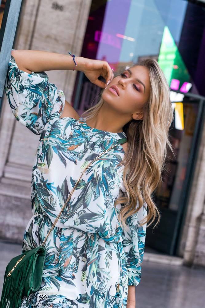 Zeleno-modré kvetinové šaty...
