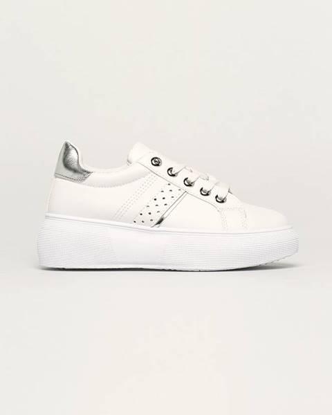 Biele topánky Answear