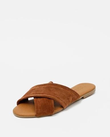 Hnedé papuče Pieces